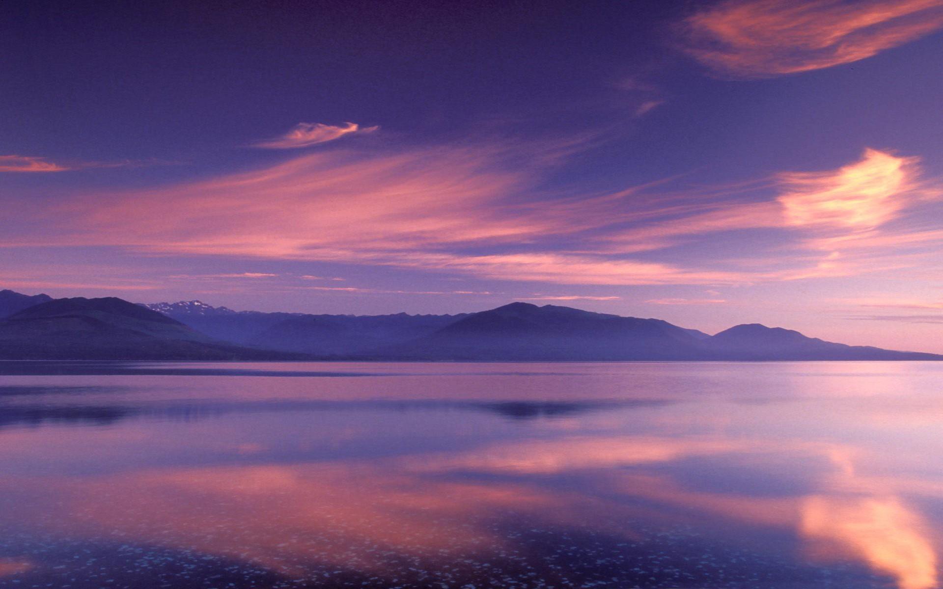nature-landscapes_widewallpaper_purple-sky_20526