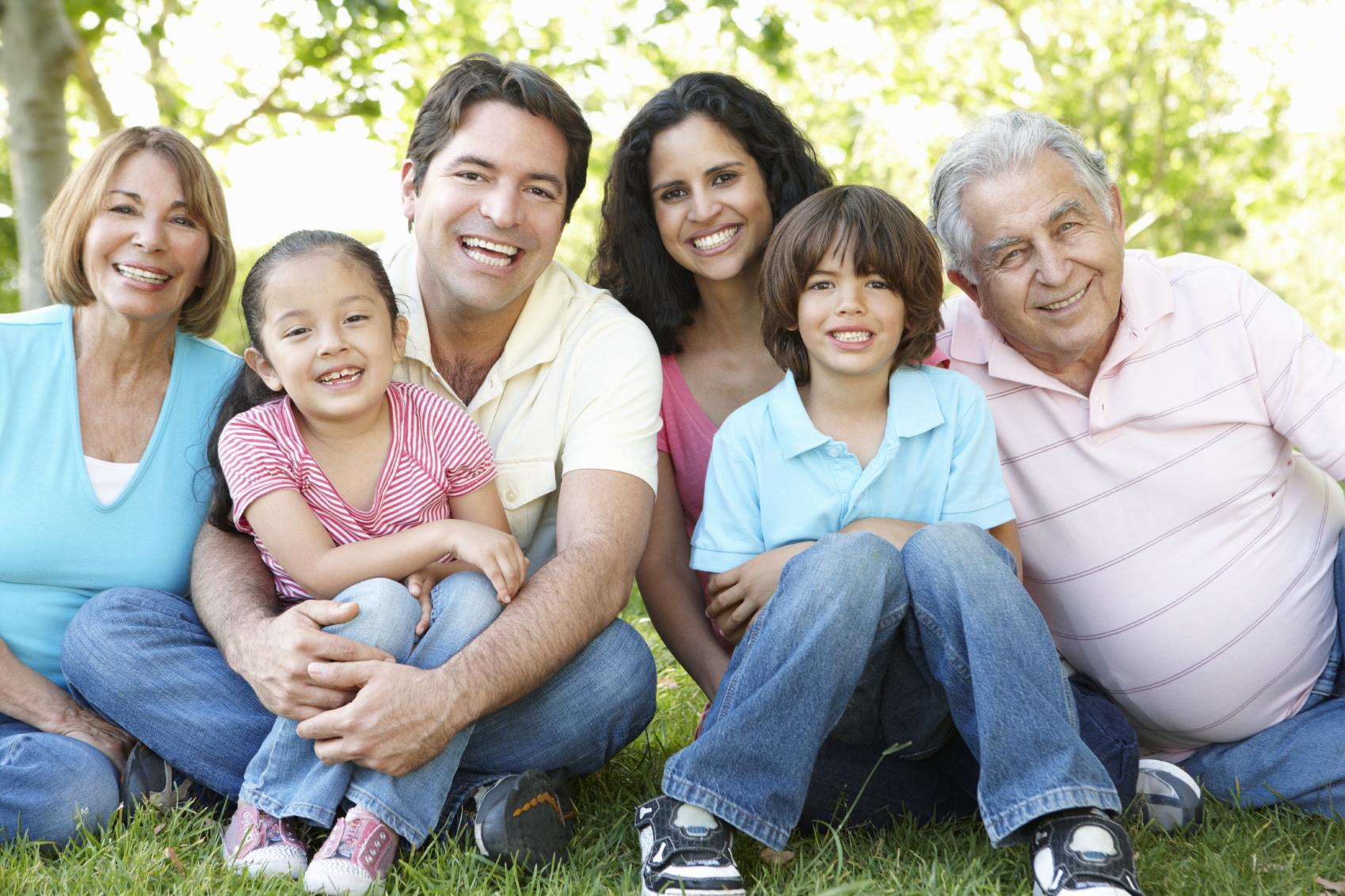 Hispanic-FamilyiStock_000017331297Medium